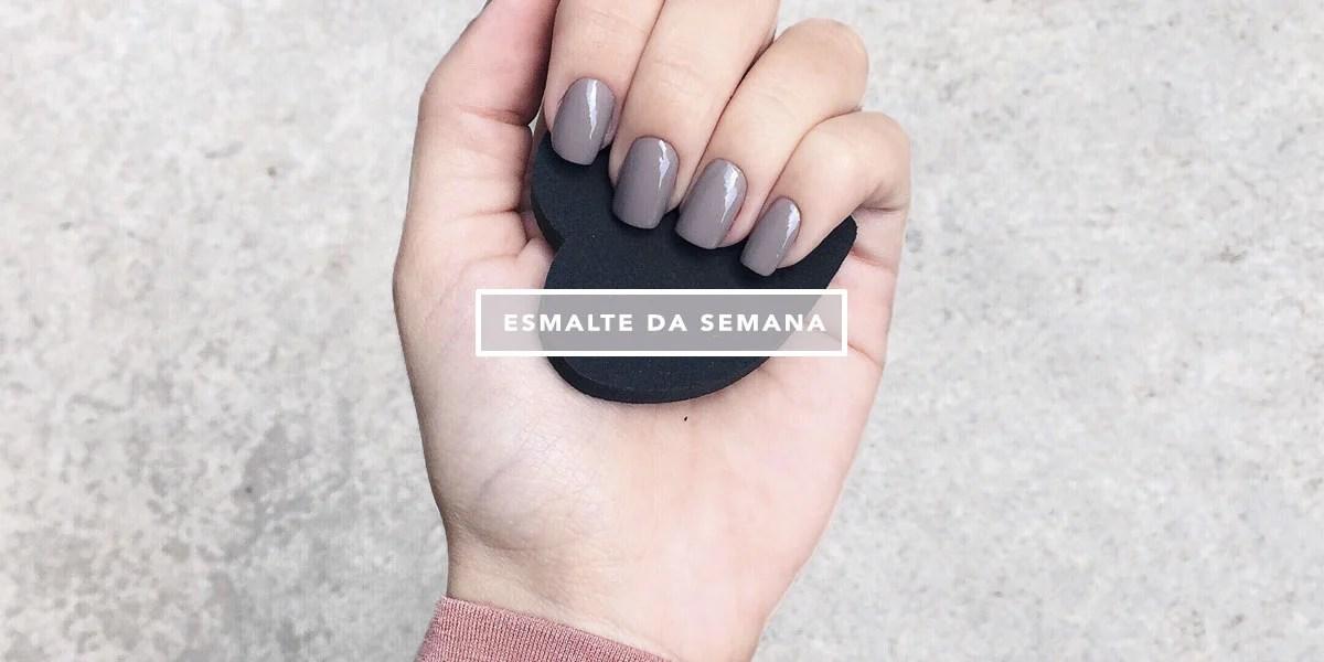 Esmalte da semana Mônica Araújo Influencer Oh My Closet com esmalte Bohô da Anita