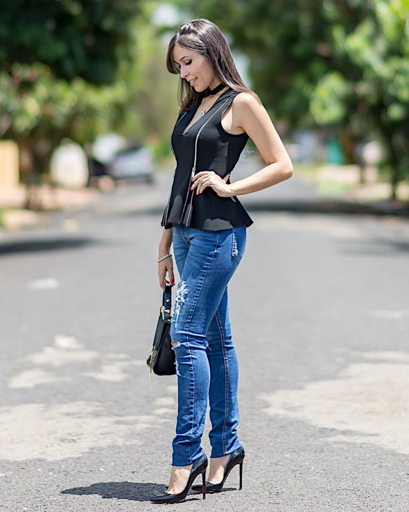 Jeans destroyed no look da blogger Mônica Araújo do Oh My Closet!