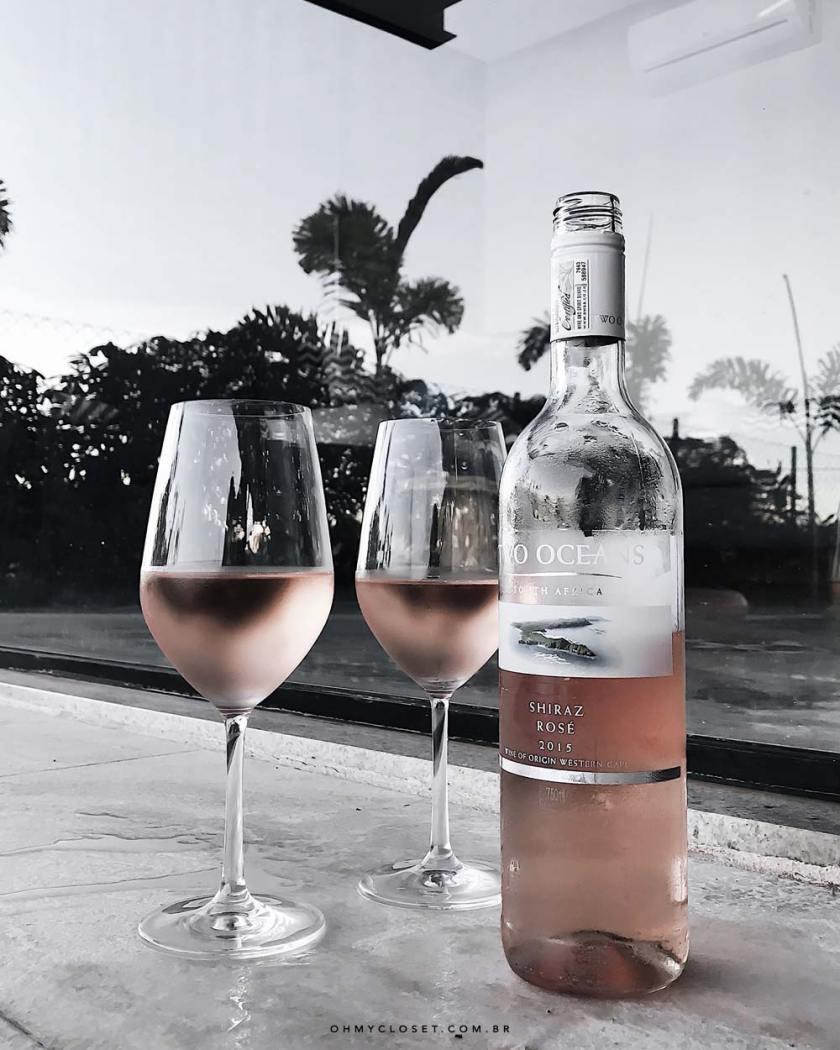 Vinho rosé Two Oceans Shiraz. Veja as dicas de lifestyle do Oh My Closet, por Mônica Araújo.