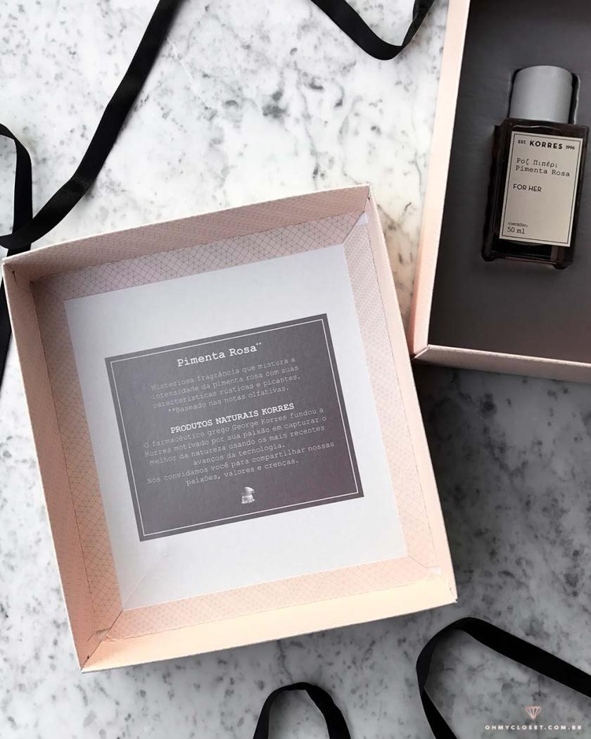 Foto interna da caixa do kit korres pimenta rosa - resenha Mônica Araújo