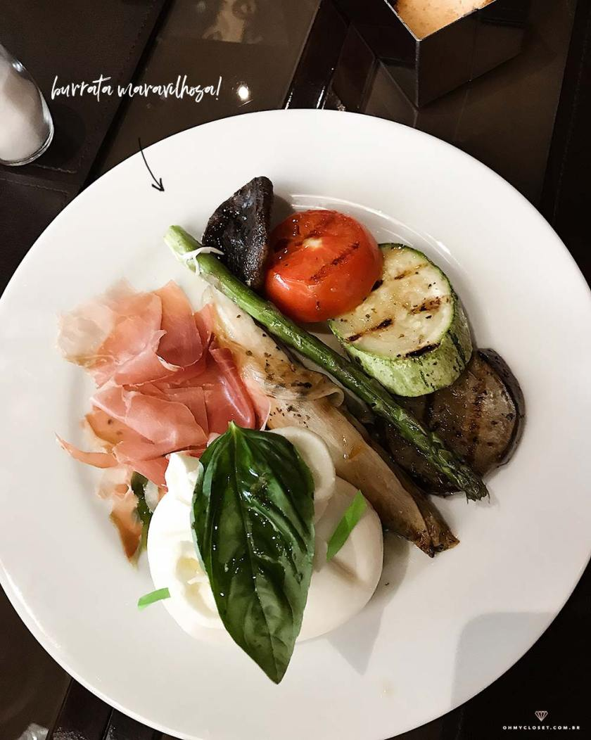 Burrata do Isola Bar com apresentação maravilhosa.