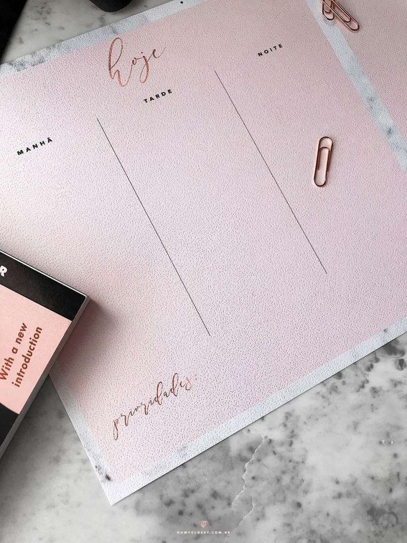 Planner diário minimalista mármore e rosa blush grátis para baixar e imprimir.