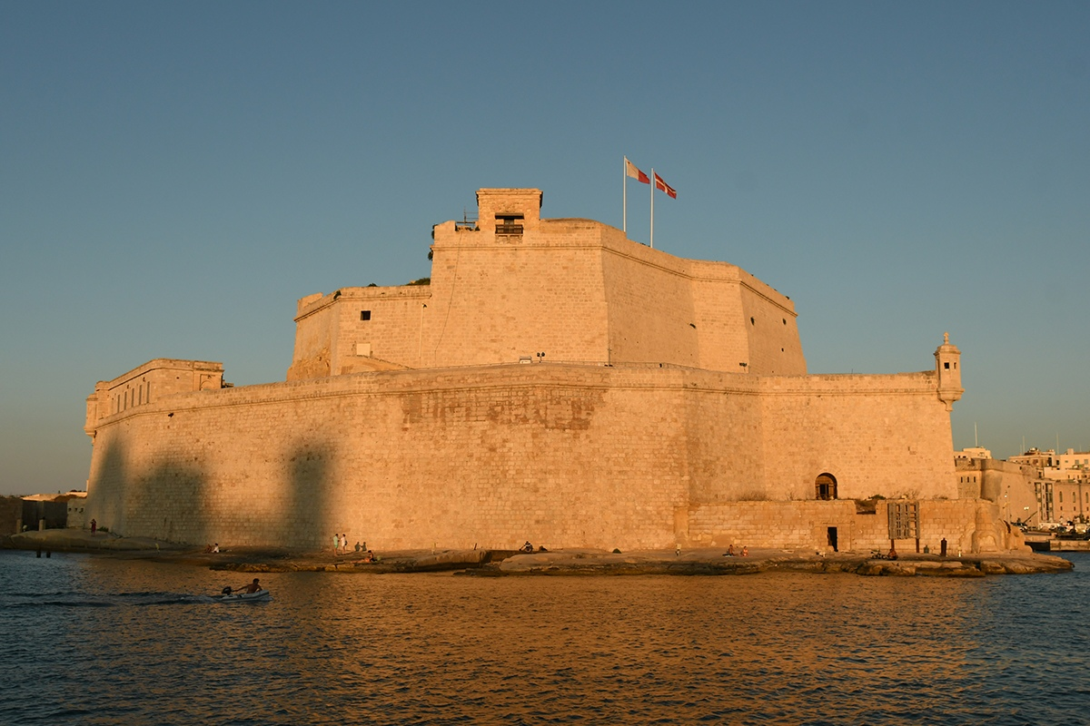 Read more about the article Fancy a fortifications harbor cruise this summer?