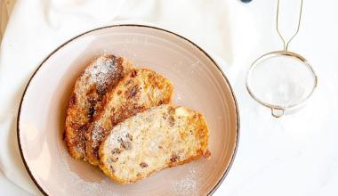 Glutenvrije wentelteefjes van paasbrood