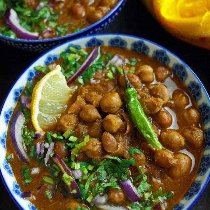 Chana Masala / Chole Bhature - Vegan Chickpea Curry