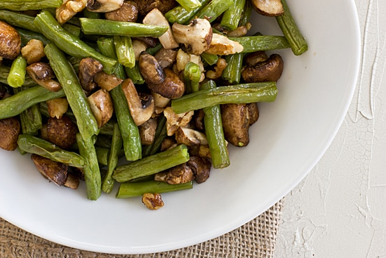 Roasted Green Beans & Mushrooms with Walnuts [close]