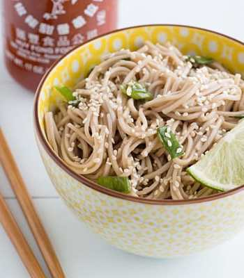 Sweet Spicy Scallion Ginger Soba Noodles