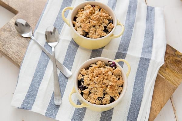 Oatmeal Chia Berry Crisp