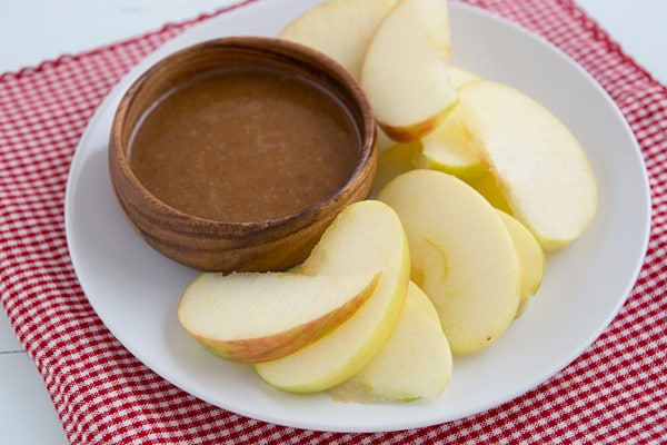 Raw Caramel Dip with Apples