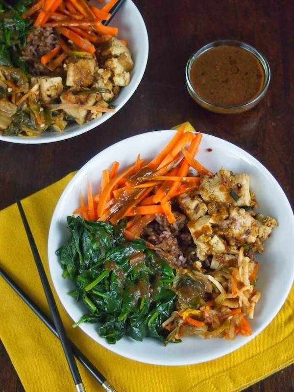 Buddha Bowl with Spinach & Marinated Tofu