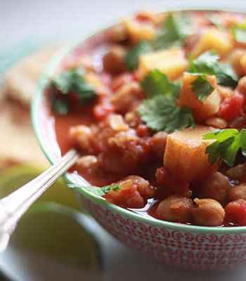 Slow-Cooker Indian-Spiced Chickpeas & Potatoes