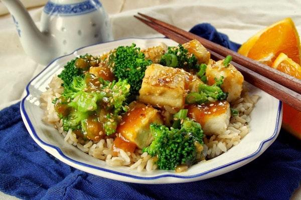Crispy Orange Ginger Tofu with Broccoli