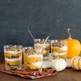 Vegan Maple Pumpkin Parfaits | OhMyVeggies.com
