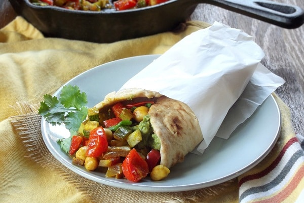 curry_roasted_vegetable_naan_wich
