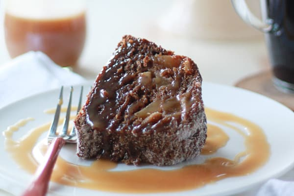 recipe: pear cake with caramel sauce [19]