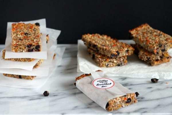 Make-and-Freeze Breakfast Bars