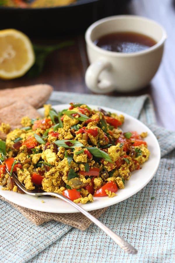 mediterranean-tofu-scramble-4