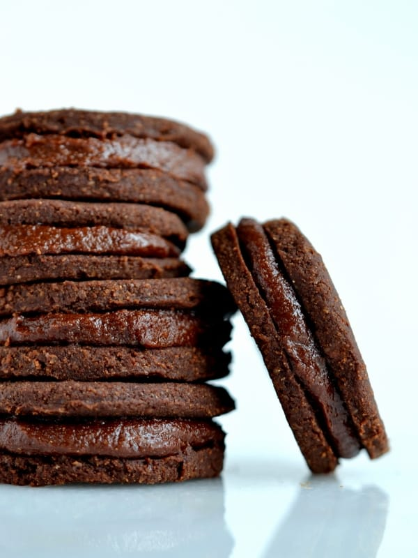 Raw Chocolate Maca Sandwich Cookies
