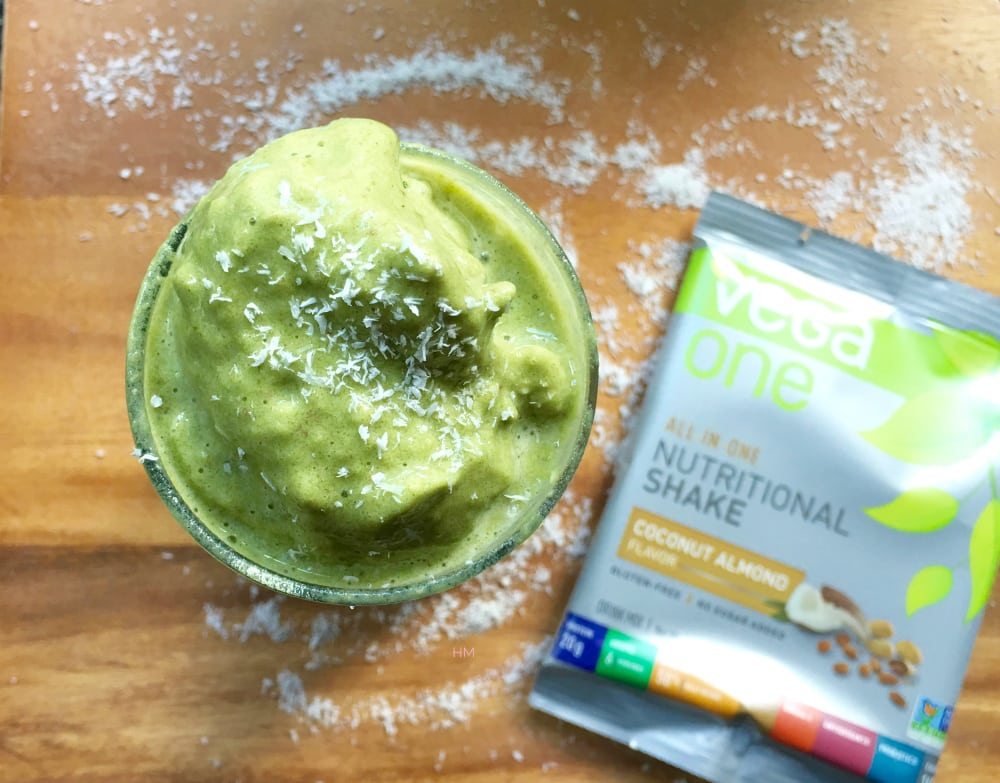 20 Healthy Green Smoothie Recipes: Pineapple Coconut Green Protein Smoothie