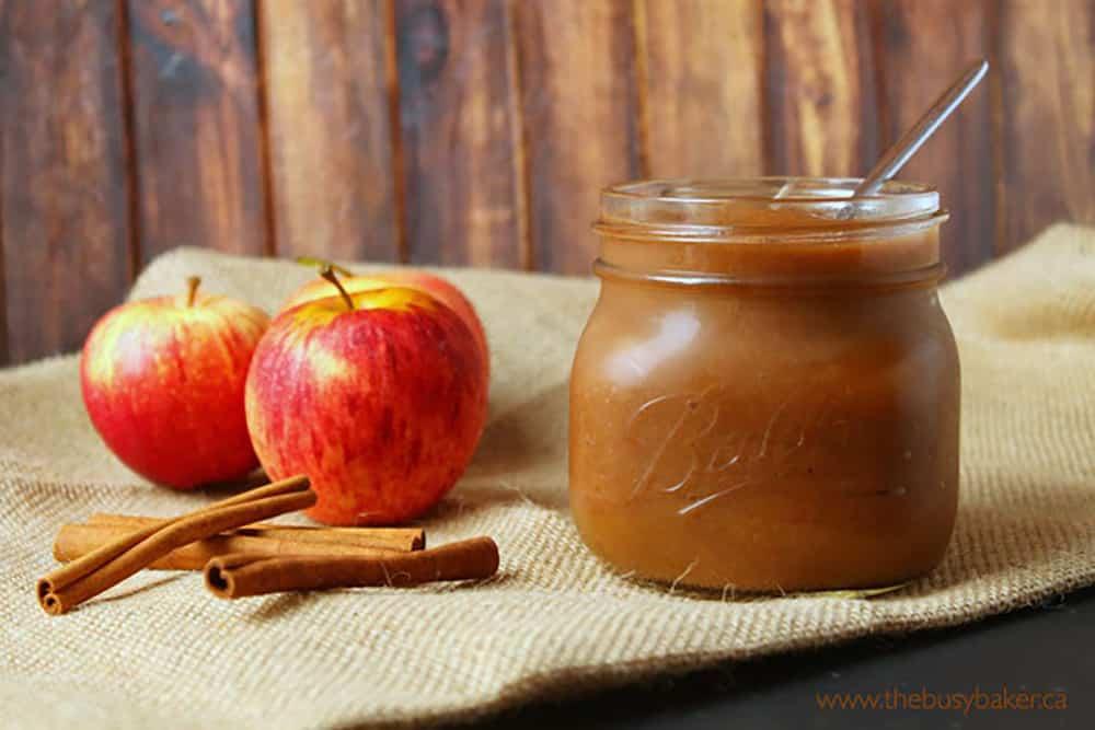 10 No Fuss Vegetarian Crockpot Dips: Crockpot Apple Butter