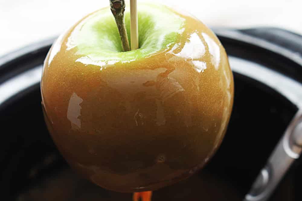 10 No Fuss Vegetarian Crockpot Dips: Caramel Fondue Dip