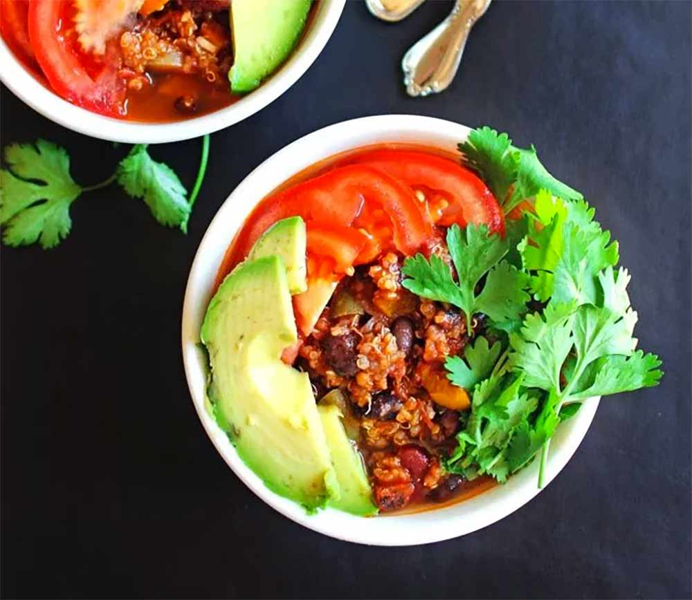 17 of the Best Vegetarian Chili Recipes: 3 Chile Quinoa Chili