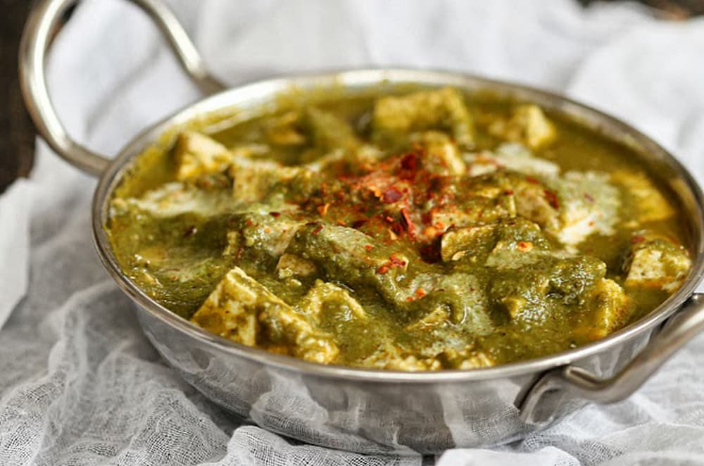 18 Best Easy Vegetarian Recipes: Tofu Spinach Curry