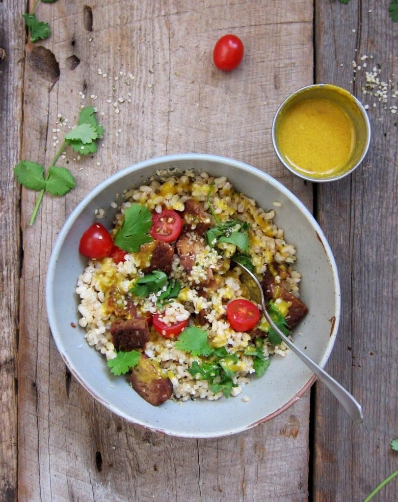 26 Creative and Delicious Turmeric Recipes: Turmeric & Tempeh Wellness Bowl