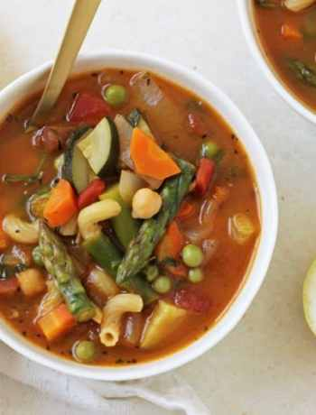 15 Delicious Minestrone Soup Recipes: Spring Minestrone Soup