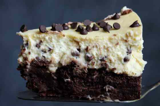 15 Recipes that take New York Cheesecake to the Next Level: Chocolate Chip Brownie Cheesecake