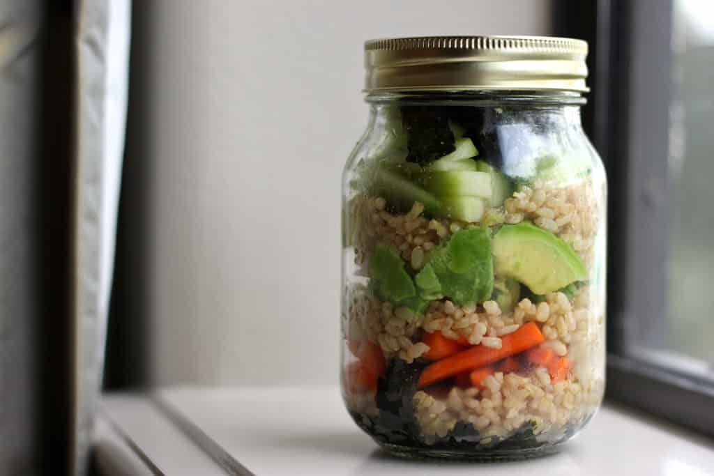 25 Vegetarian Mason Jar Meals to Help You Win at Lunch: Deconstructed Sushi in a Jar