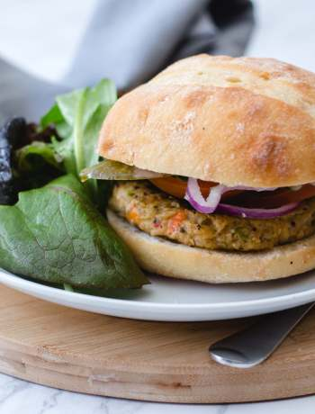 Vegetarian Chickpea and Veggie Burger