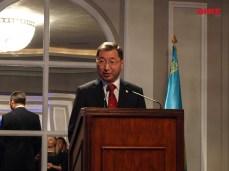 El Excmo. Embajador de la República de Kazajstán en España, el Sr. D. Bakyt Dyussenbayev durante el discurso de la celebración del Día de la Independencia de la República de Kazastán.