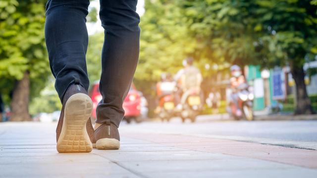 Berjalan Kaki, Cara Terbaik Untuk Dapat Bentuk Tubuh Yang Ideal Dan Fit.