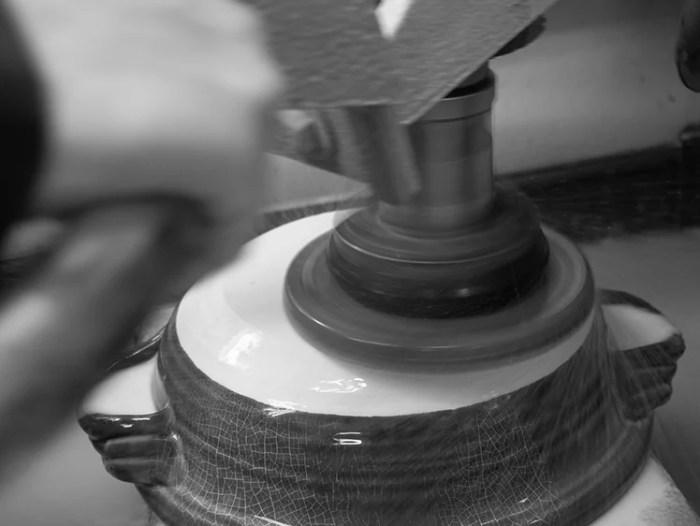 鍋底の研磨