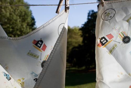 Modern-Handkerchief-Map-Wedding-Invitation-Hanging