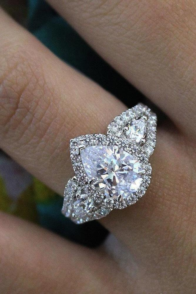 33 The Best Three Stones Engagement Rings That Admire Oh