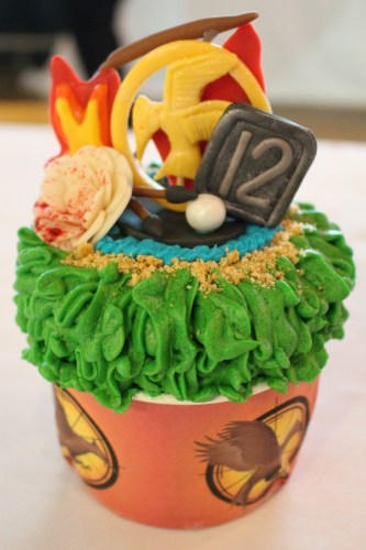 Debra Correa's Catching Fire cupcake won 3rd Place, Intermediate Division