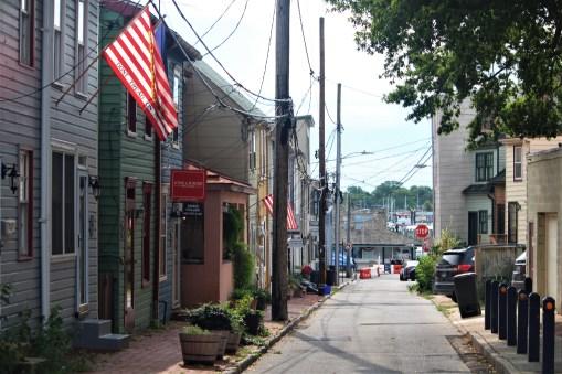 Street to Annapolis Harbor