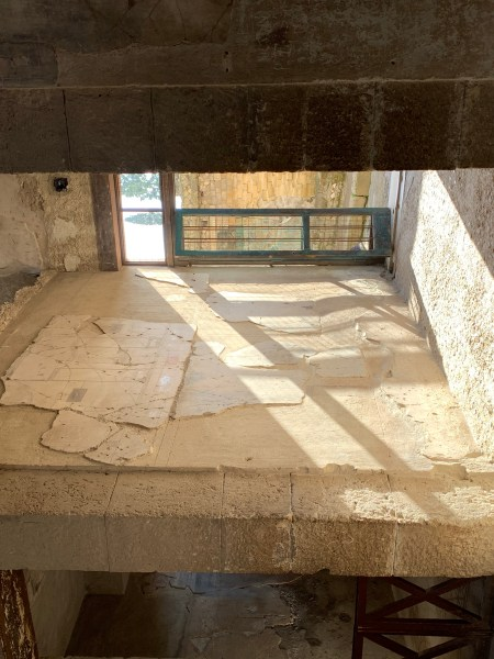 Herculaneum -- light streaming in to ruins