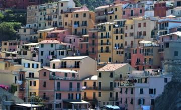 Seaside houses in Manarola, Cinque Terre, Italy