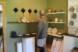 Bert takes a closer look at Michael Kline pottery.