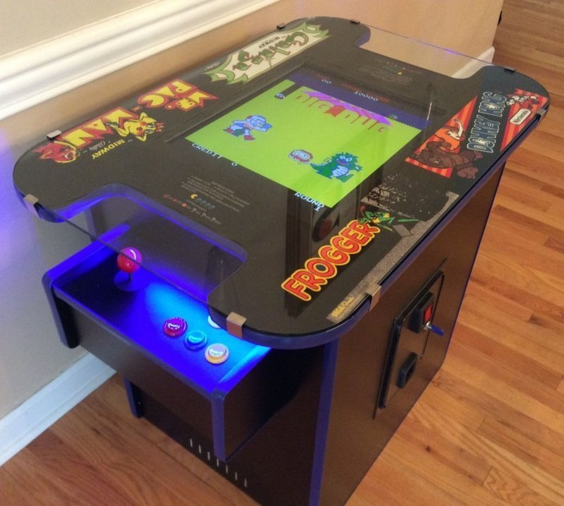 Retro Arcade Table