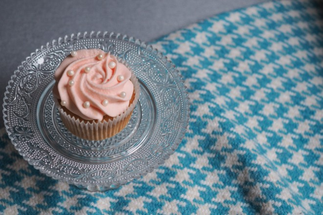 Champagner-Cupcakes-Backrezept-mit-rosa-Frosting-ohwiewundervoll.com-6