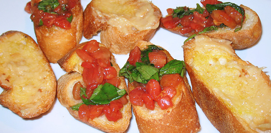 Faça deliciosas bruschettas - http://www.flickr.com/photos/osakajon/