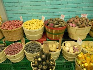 barra-de-legumes-no-st-lawrence-market