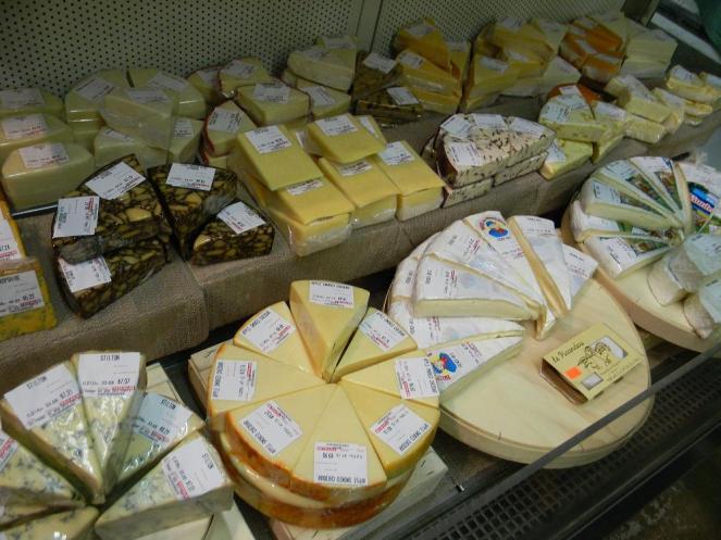 queijos-de-diversas-partes-do-mundo-pode-ser-encontrados-no-st-lawrence-market