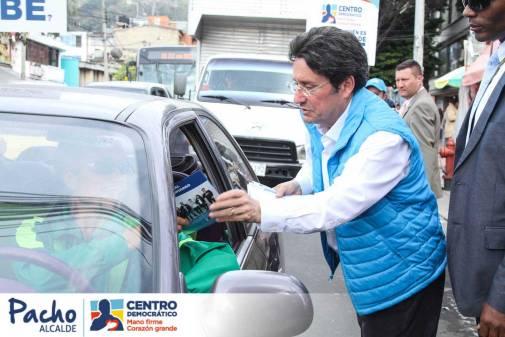 Pacho Santos sera Mano firme en movilidad