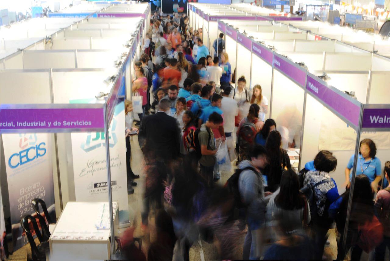 Miles De Jóvenes Participaron De La I Feria Del Empleo Joven