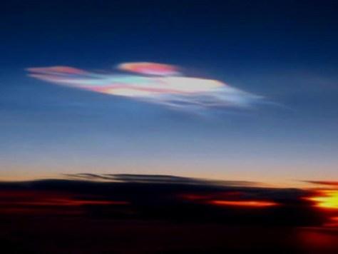Nacreous cloud